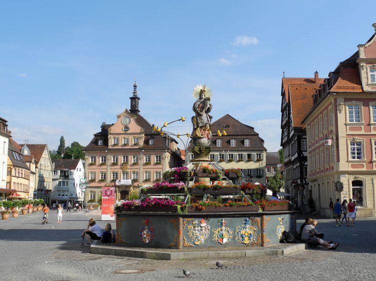 Schwaebisch Gmuend Marktplatz Mit Rathaus Ab 1760 03