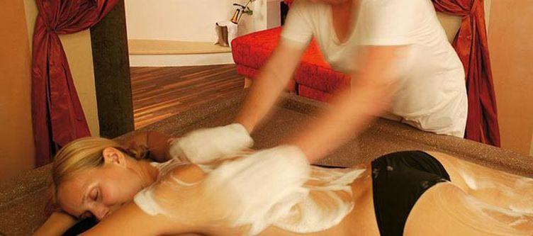 Schwarzeradler Wellness Massage2