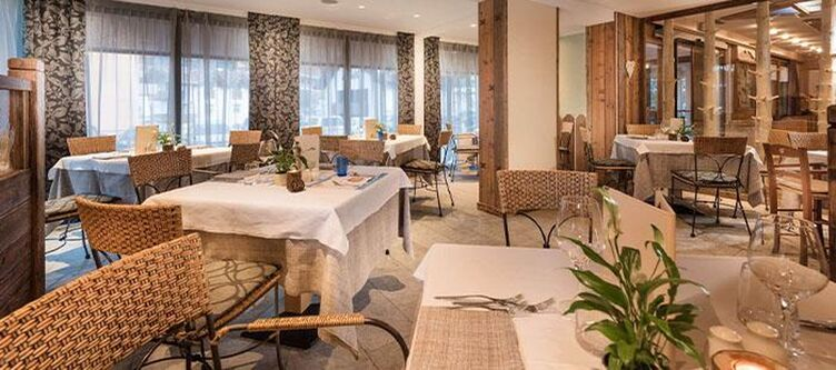 Serena Restaurant5