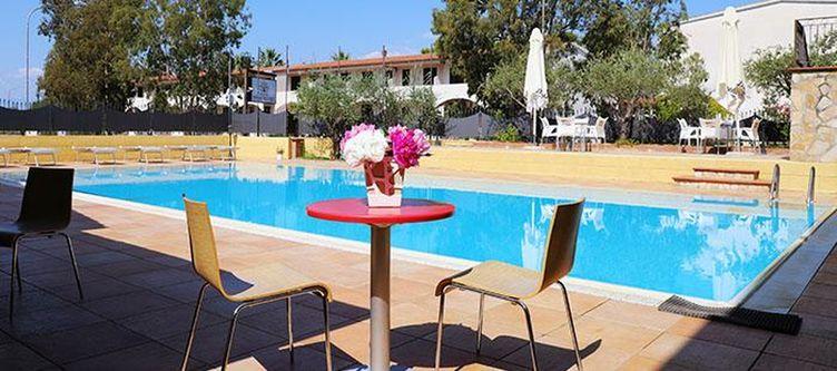 Sibari Pool2