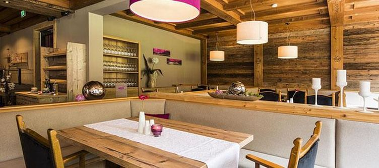 Smarthotel Restaurant