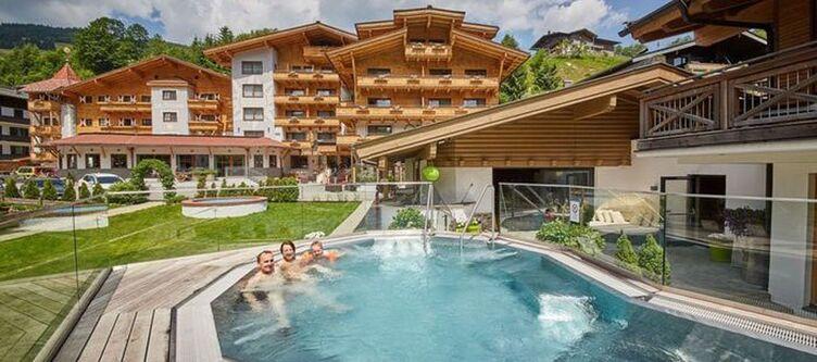 Sonne Hotel Und Pool