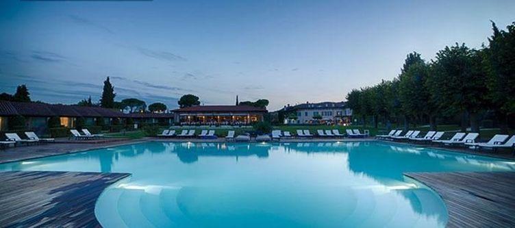 Splendido Pool Abend