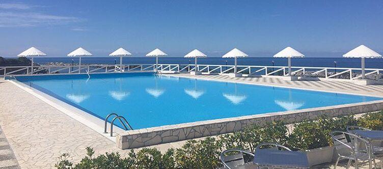 Stelle Pool2