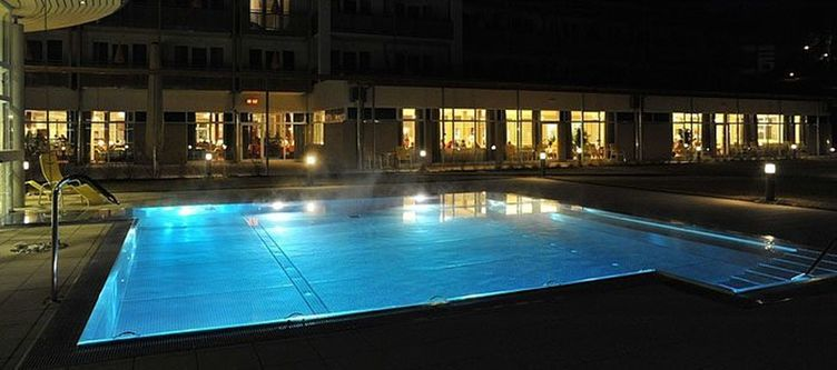 Stleonhard Pool Abend2