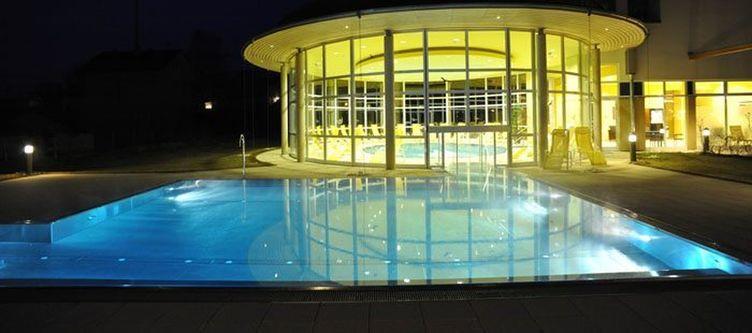 Stleonhard Pool Abend3