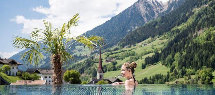 Stroblhof Pool3