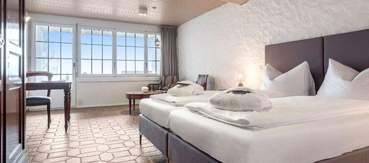 Swisschalet Zimmer Schlosshotel Seezimmer2