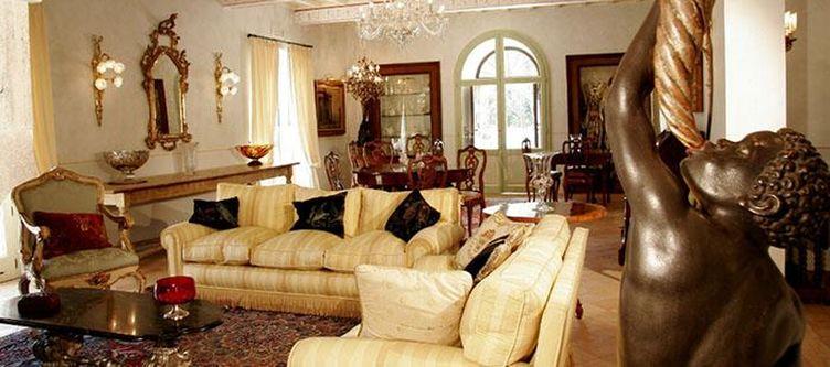Tenunta Lounge