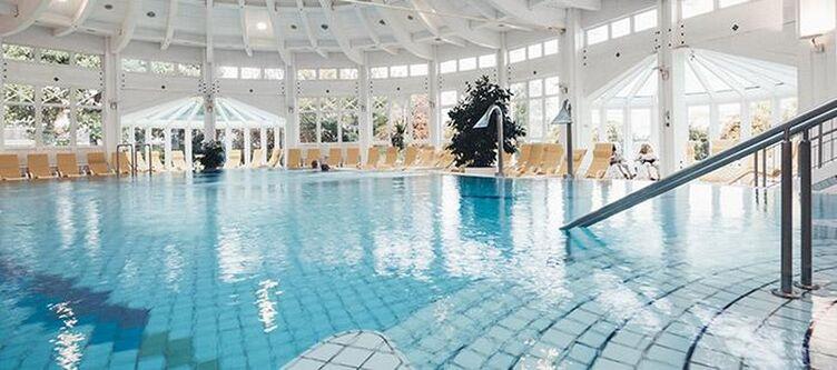 Thermal Wellness Thermengarten Hallenbad2