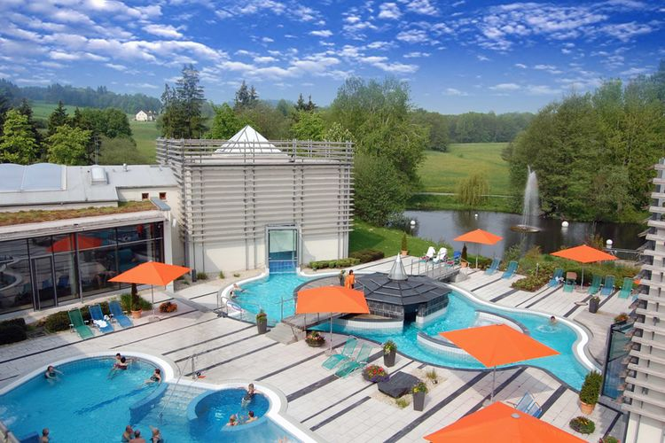 Therme Aussenbereich Therme Bad Steben 1