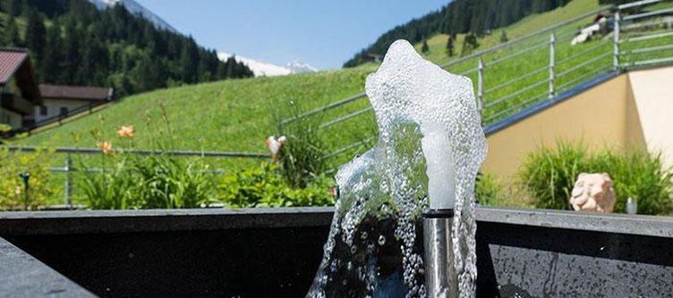 Tirol Garten Trinkbrunnen