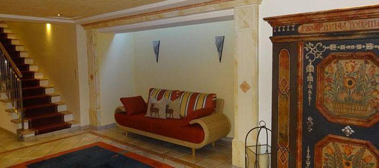 Tirol Lobby2