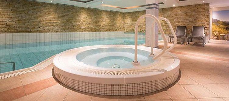Tirolerhof Pool Whirlpool