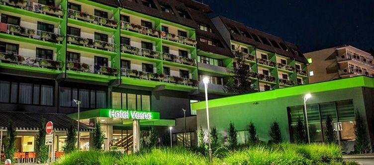 Topolsica Hotel Abend