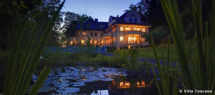 Toscana Hotel Abend Teich