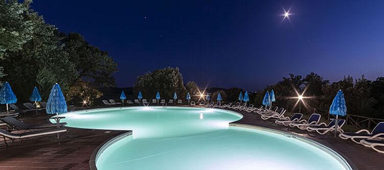 Toscana Pool Abend