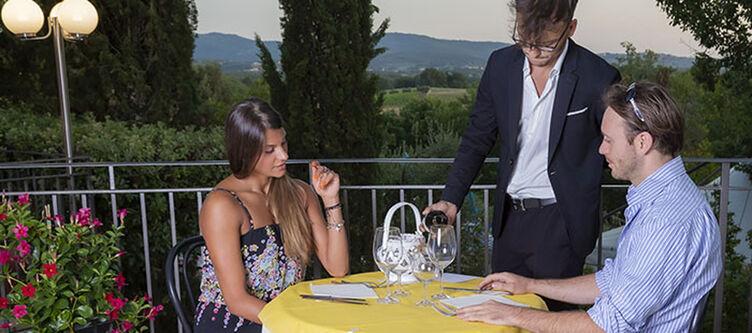 Toscana Terrasse Paar
