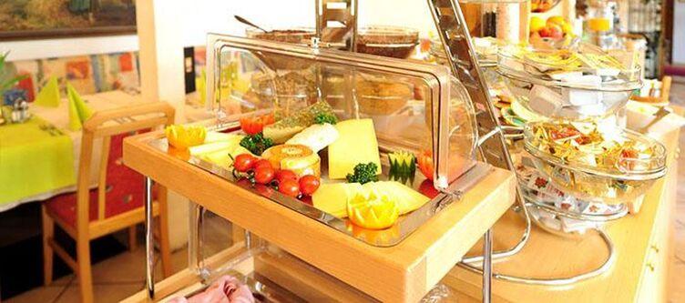 Traube Fruehstuecksbuffet Kaese