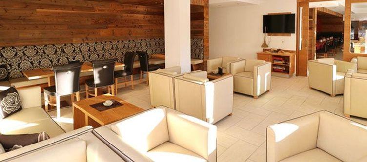 Traube Garni Lounge