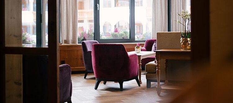 Trofana Lounge