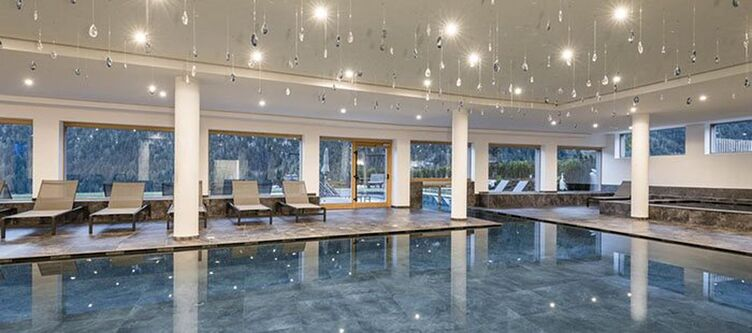 Tuberis Wellness Hallenbad