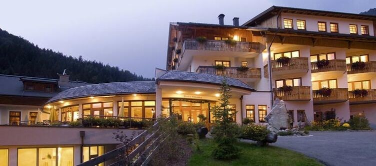 Tuffbad Hotel Nacht