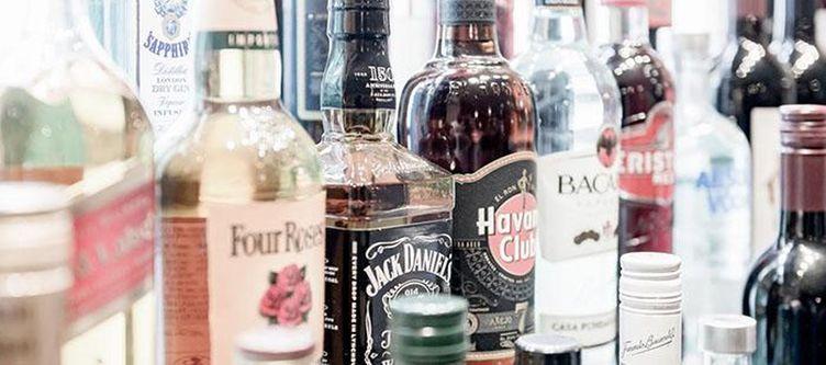Tyrol Bar Spirituosen