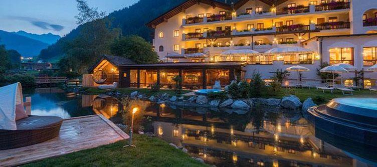 Tyrol Hotel Abend