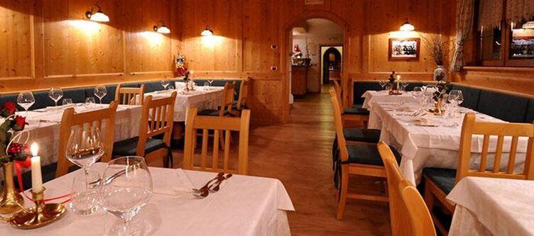 Valacia Restaurant3