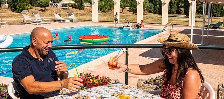 Vega Poolbar