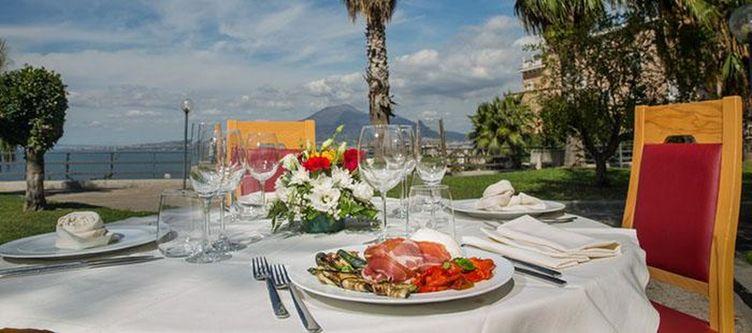 Vesuvian Terrasse Restaurant3