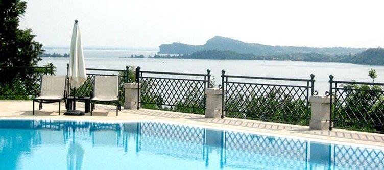 Villadelsogno Pool2