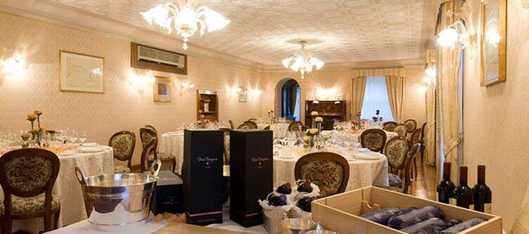 Villadelsogno Restaurant9