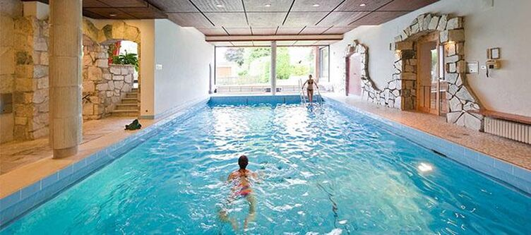 Wallgau Wellness Pool2