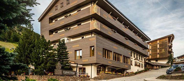 Zirm Hotel