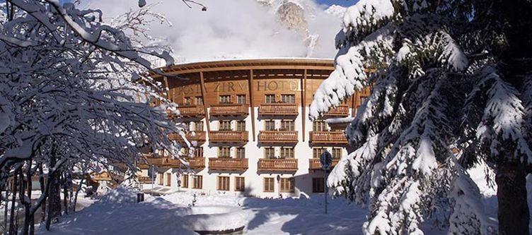 Zirm Hotel Winter
